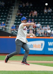 Ty Burrell throwing out the first pitch at a Mets game last season